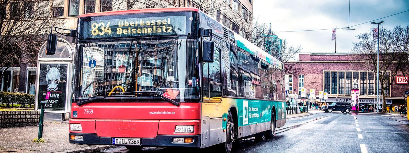 Duesseldorf-Buswerbung-Teilgestaltung