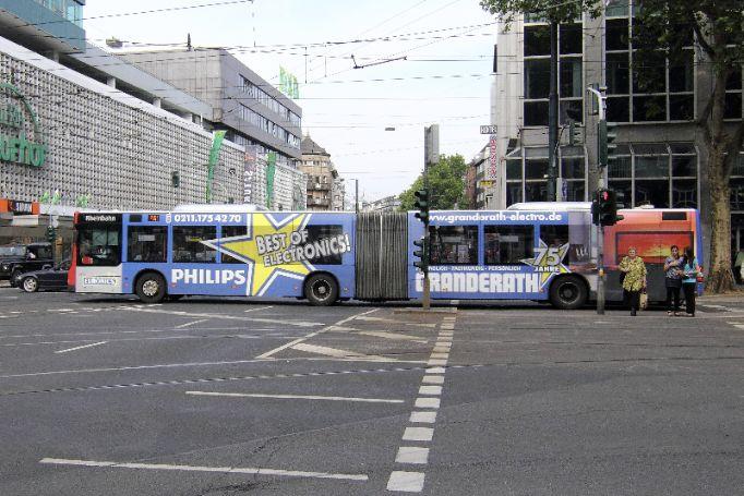 Duesseldorf-Ganzgestaltung-Plus-Gelenkbus