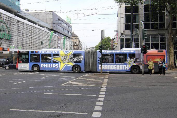 Leverkusen-Ganzgestaltung-Plus-Gelenkbus